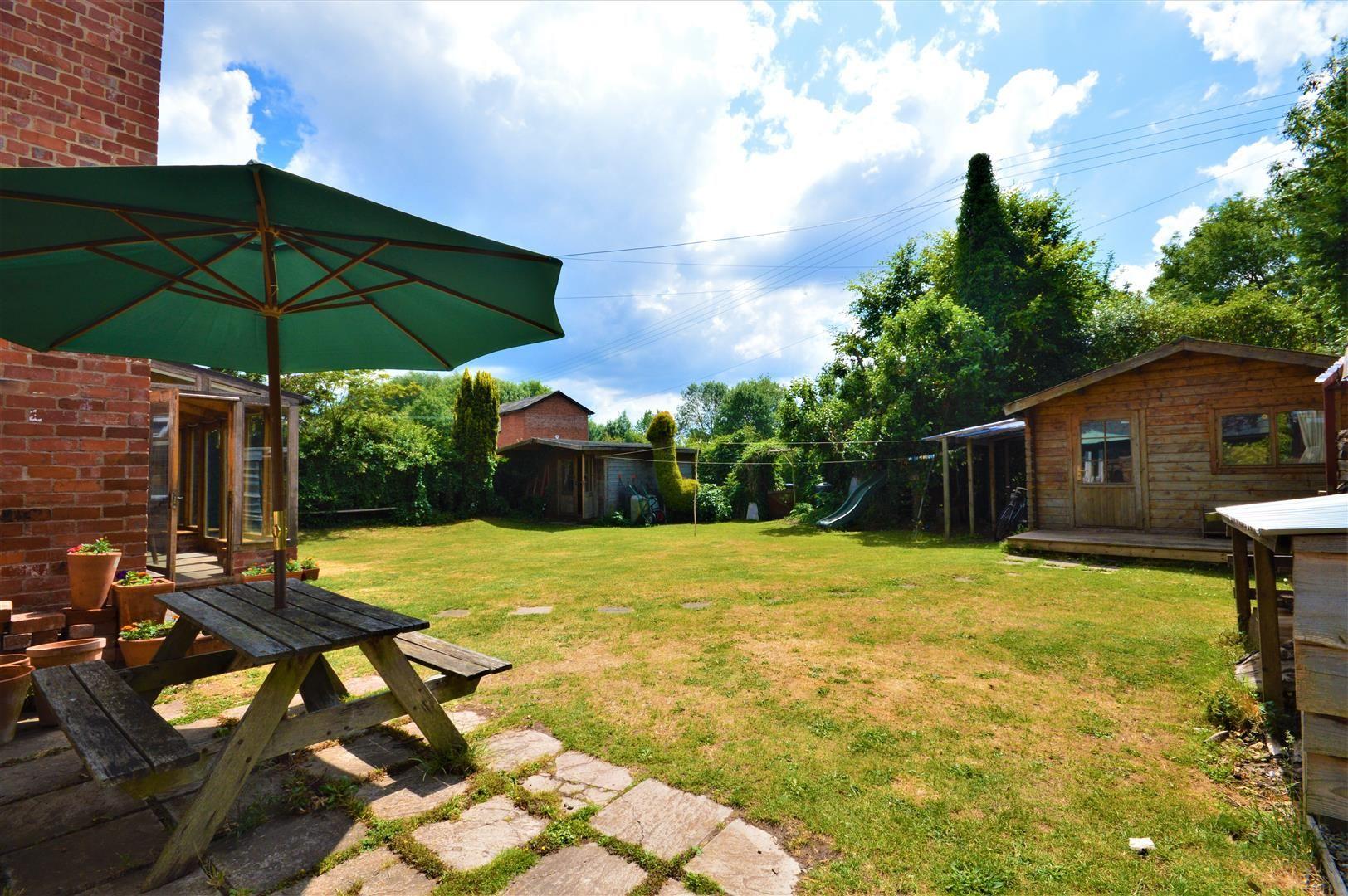 3 bed cottage for sale in Cross Keys 3