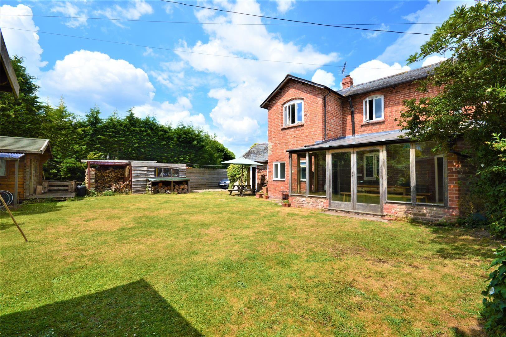 3 bed cottage for sale in Cross Keys  - Property Image 4