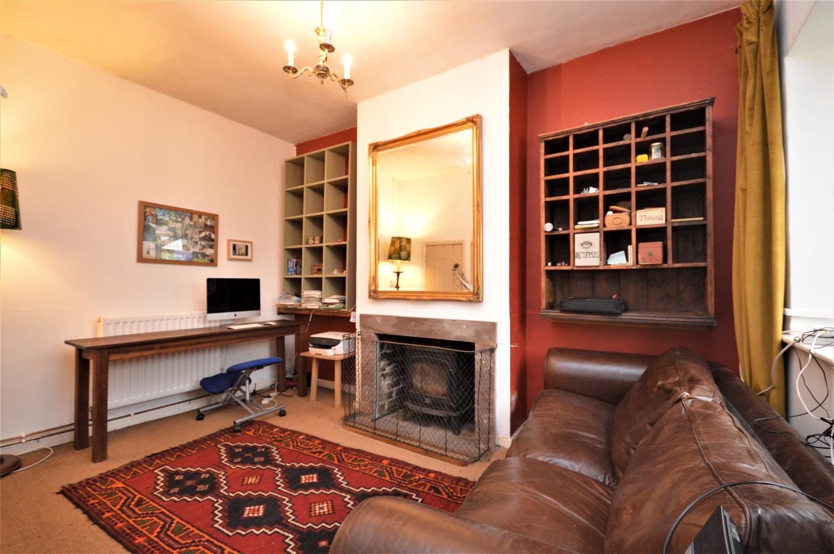 3 bed cottage for sale in Cross Keys 7