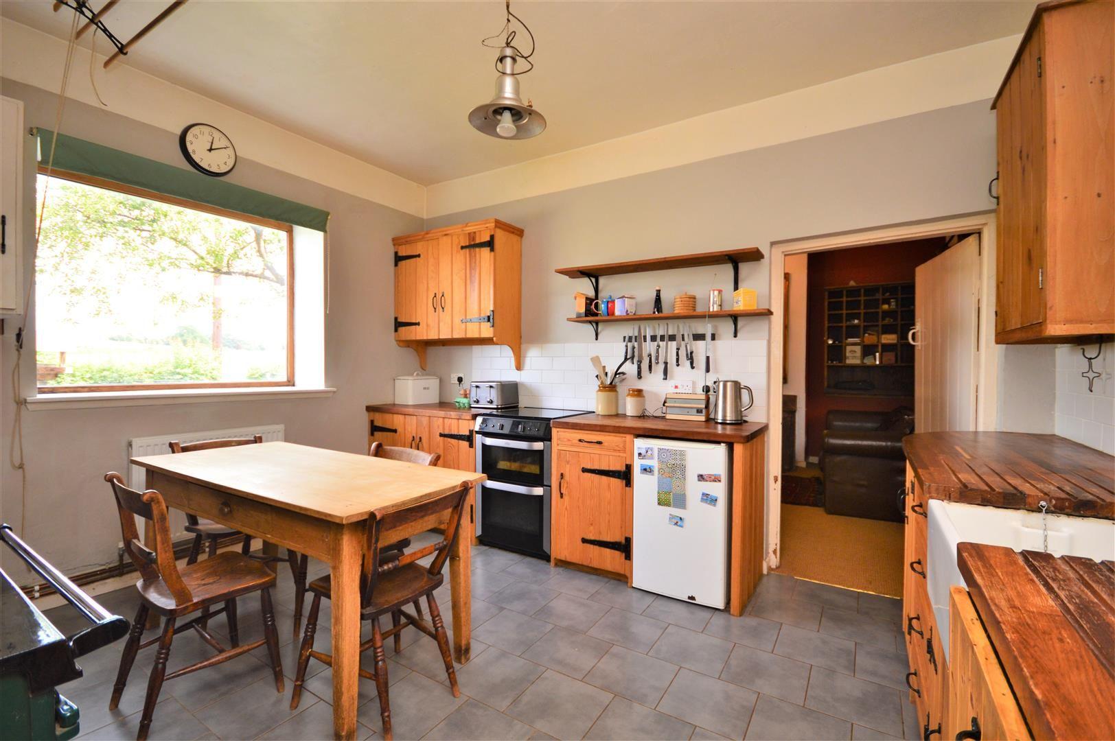 3 bed cottage for sale in Cross Keys  - Property Image 8