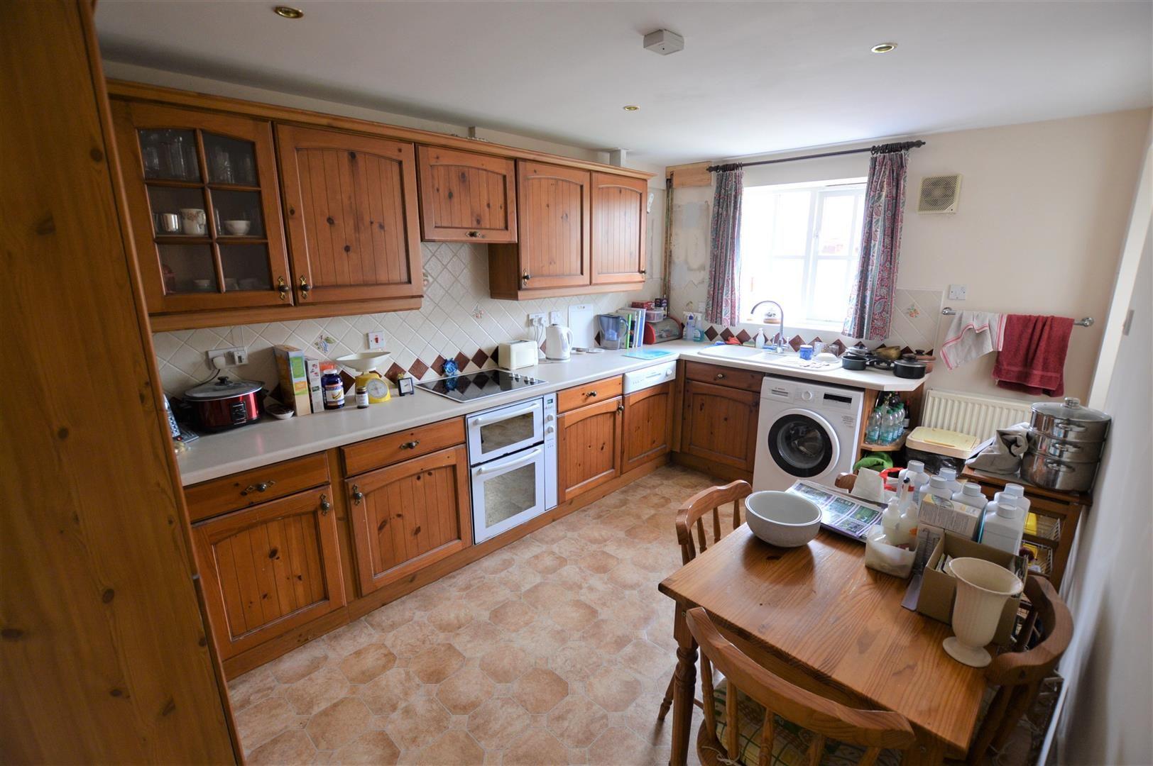 3 bed terraced for sale in Eardisley 2