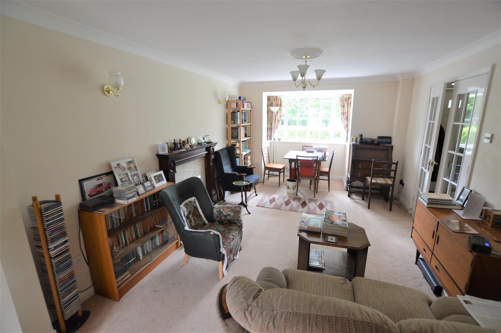3 bed terraced for sale in Eardisley 3