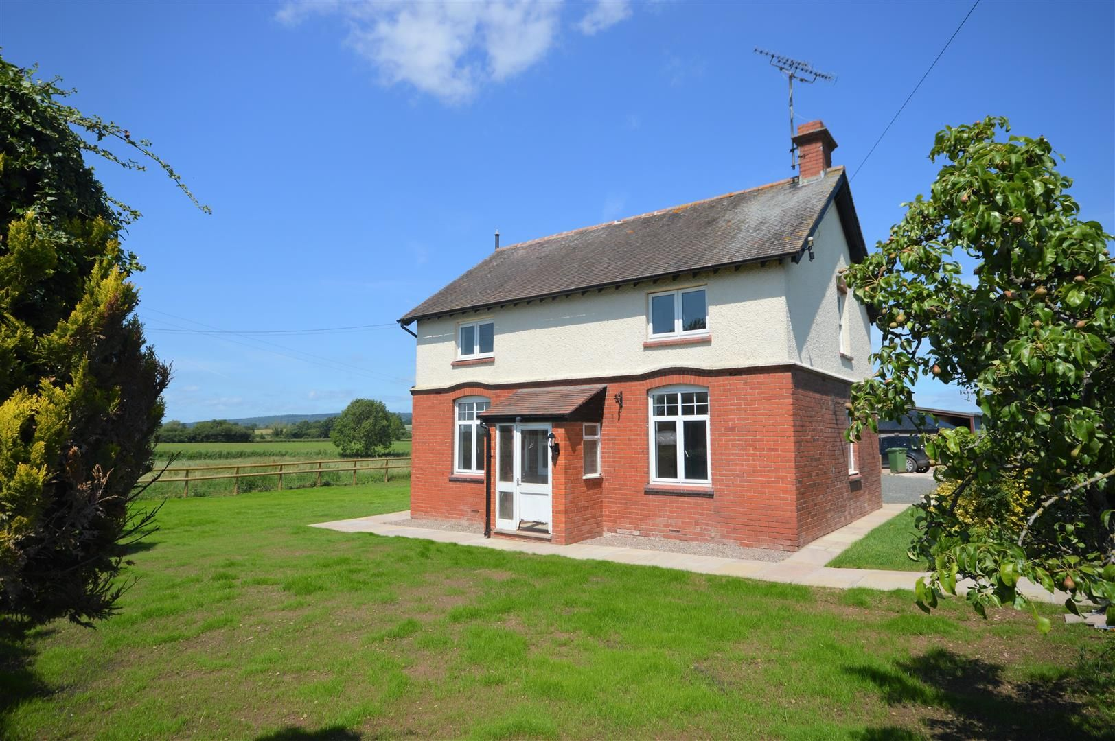 4 bed detached for sale in Moreton Eye, HR6