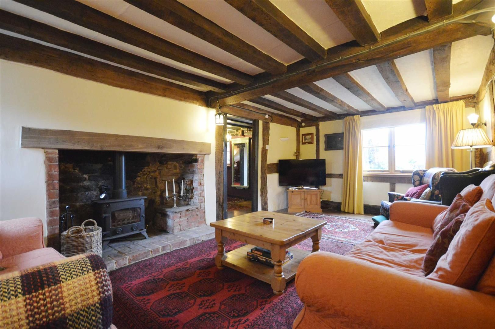 5 bed detached for sale in Marston 2