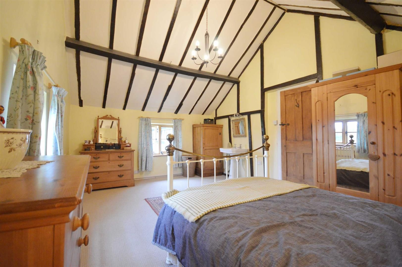 5 bed detached for sale in Marston 11