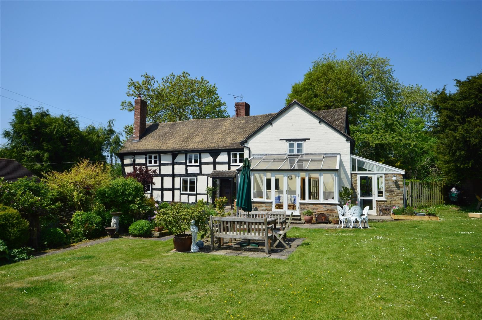5 bed detached for sale in Marston  - Property Image 17