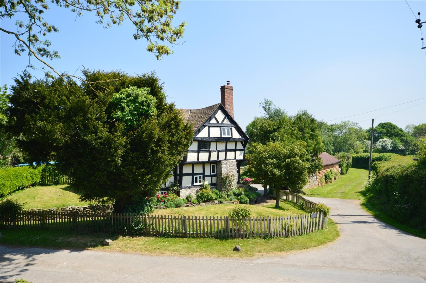 5 bed detached for sale in Marston 18