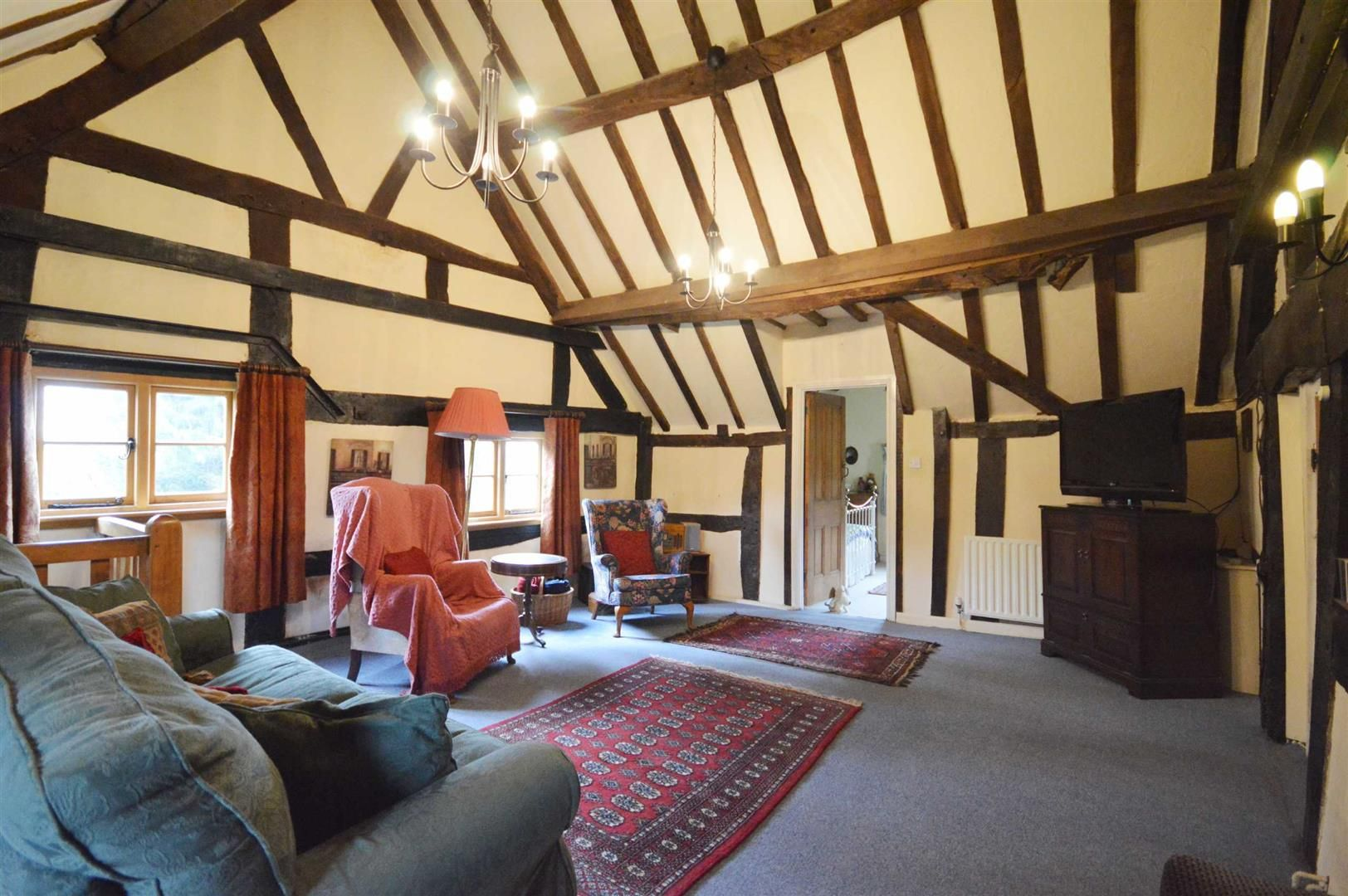 5 bed detached for sale in Marston 9