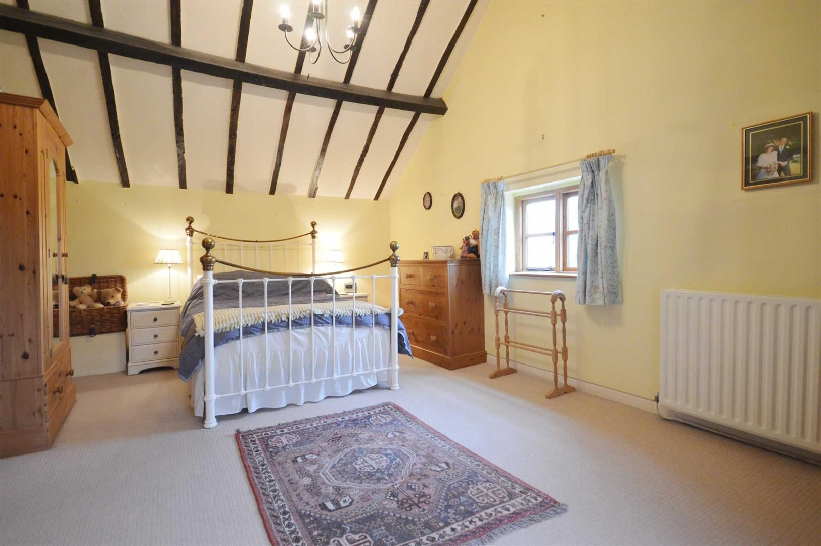 5 bed detached for sale in Marston 10