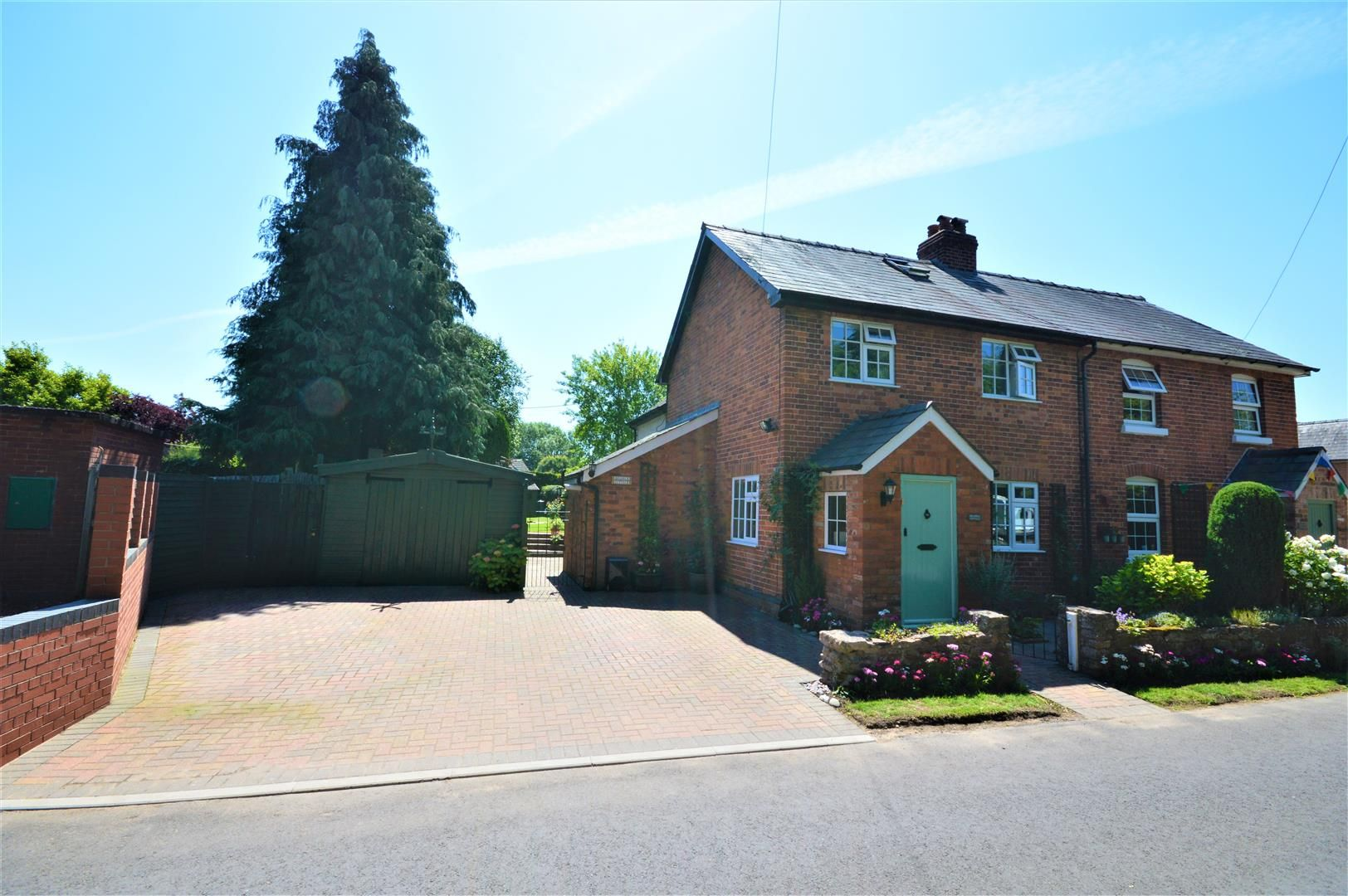 3 bed semi-detached for sale in Madley, HR2