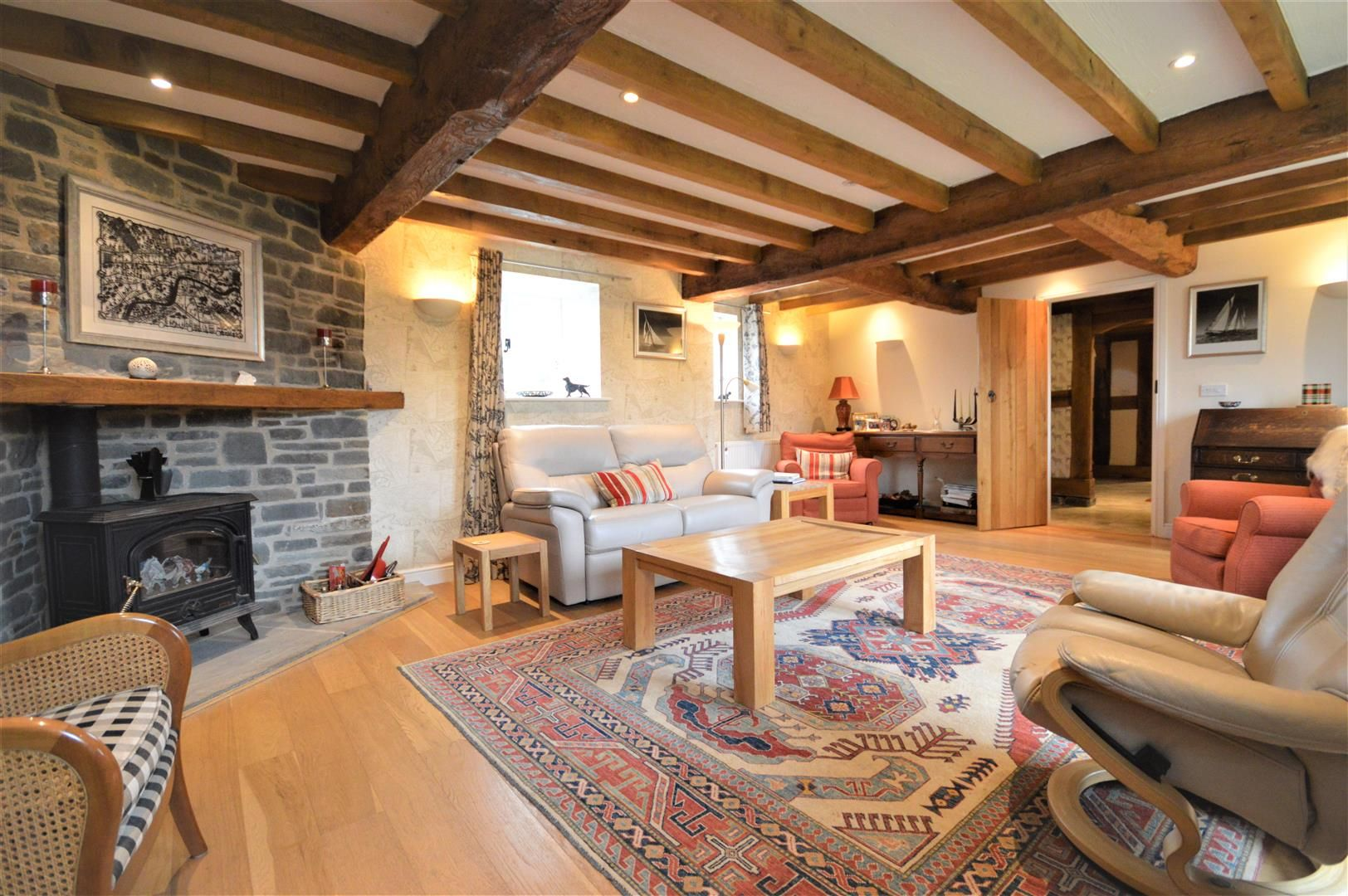 4 bed barn conversion for sale in Kingsland 2