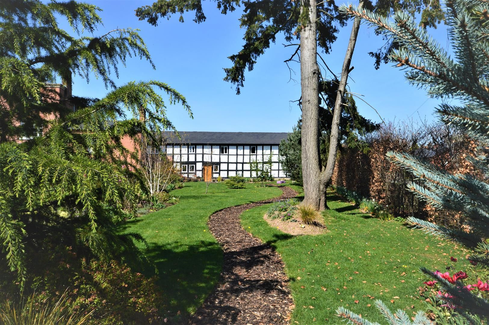 4 bed barn conversion for sale in Kingsland 17
