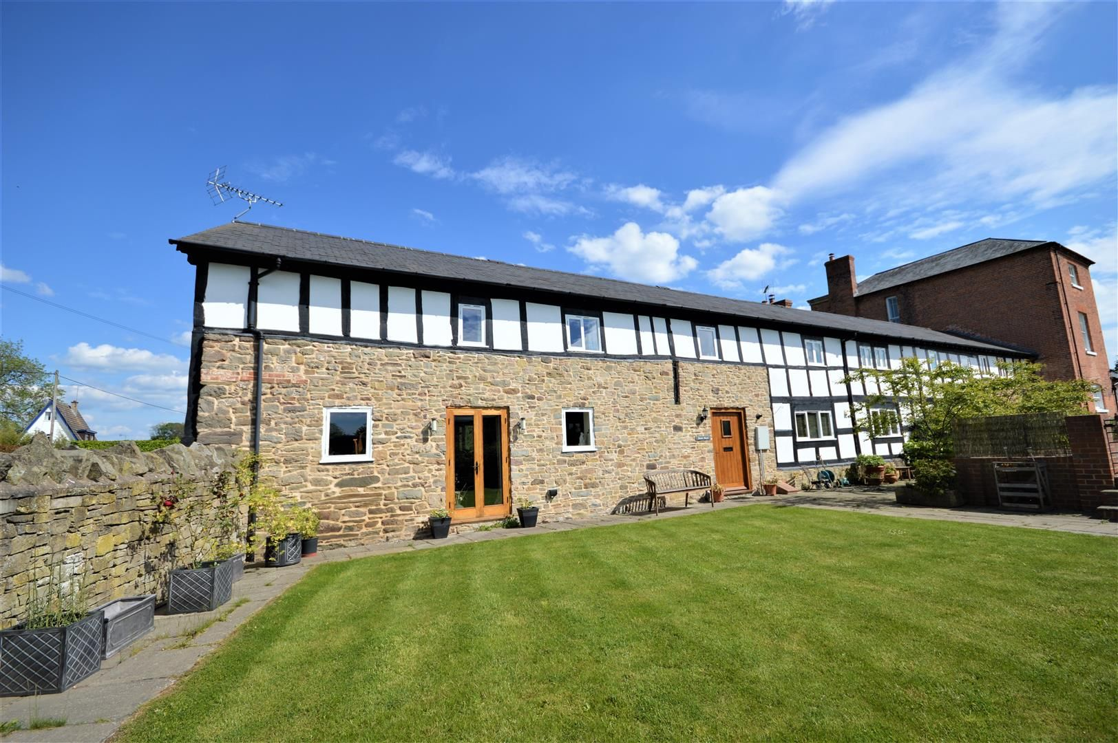 4 bed barn conversion for sale in Kingsland 18