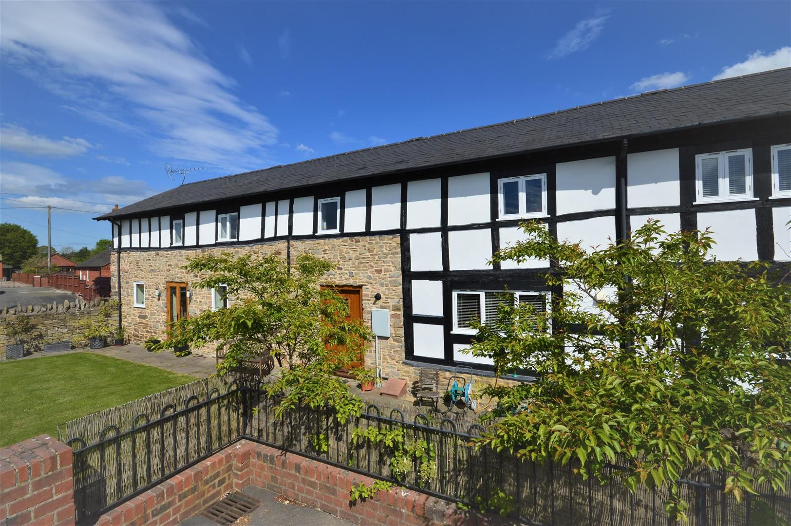 4 bed barn conversion for sale in Kingsland 19