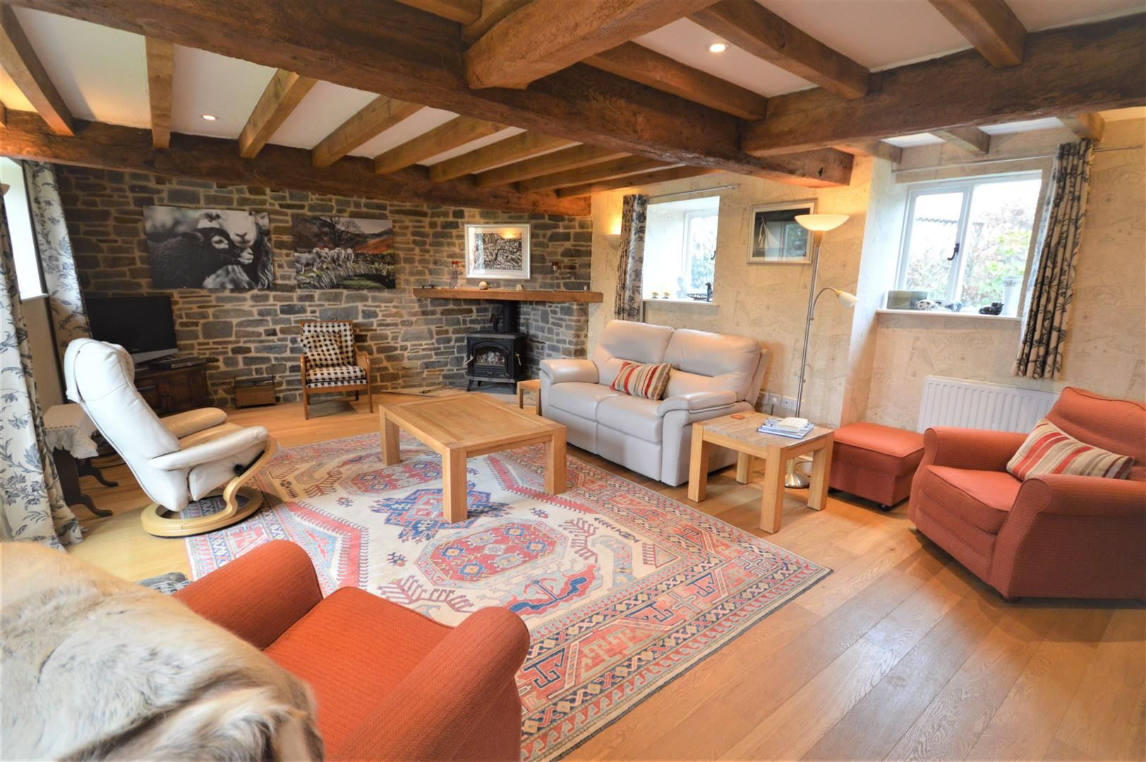 4 bed barn conversion for sale in Kingsland 3