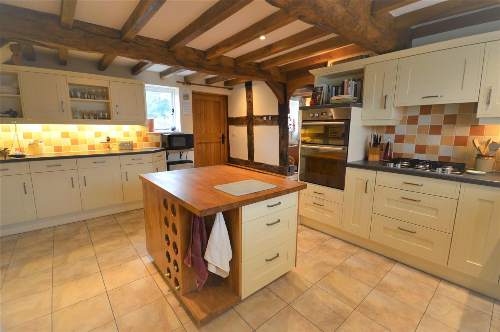4 bed barn conversion for sale in Kingsland 4