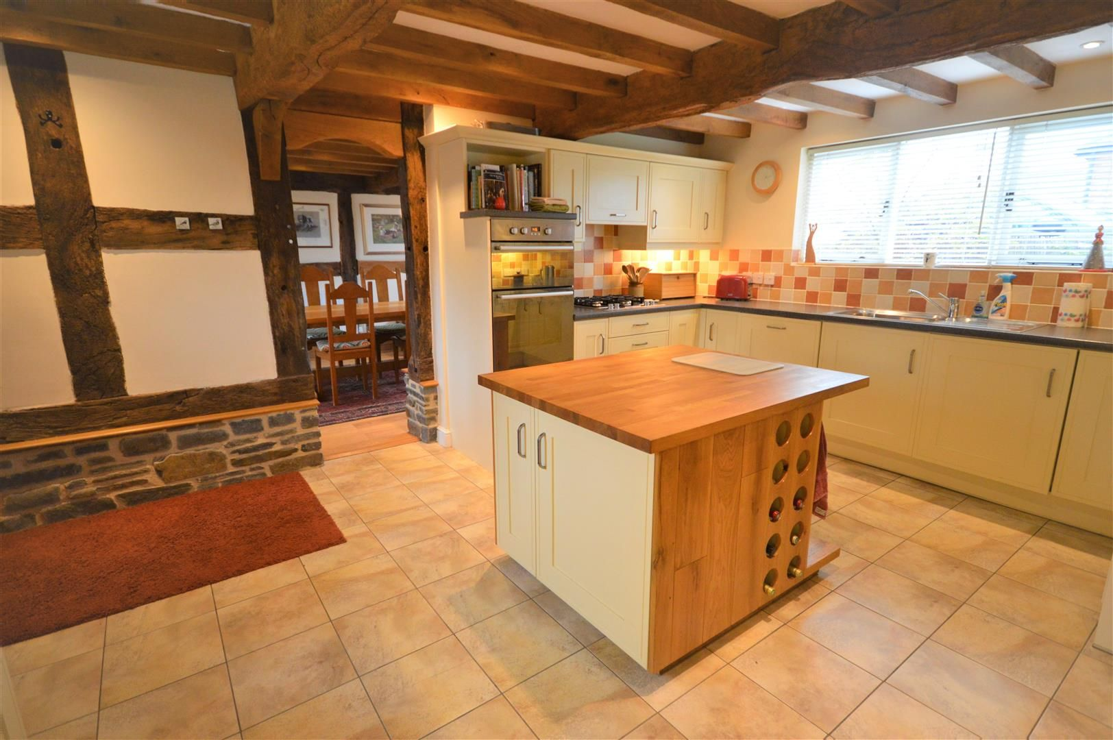 4 bed barn conversion for sale in Kingsland 5