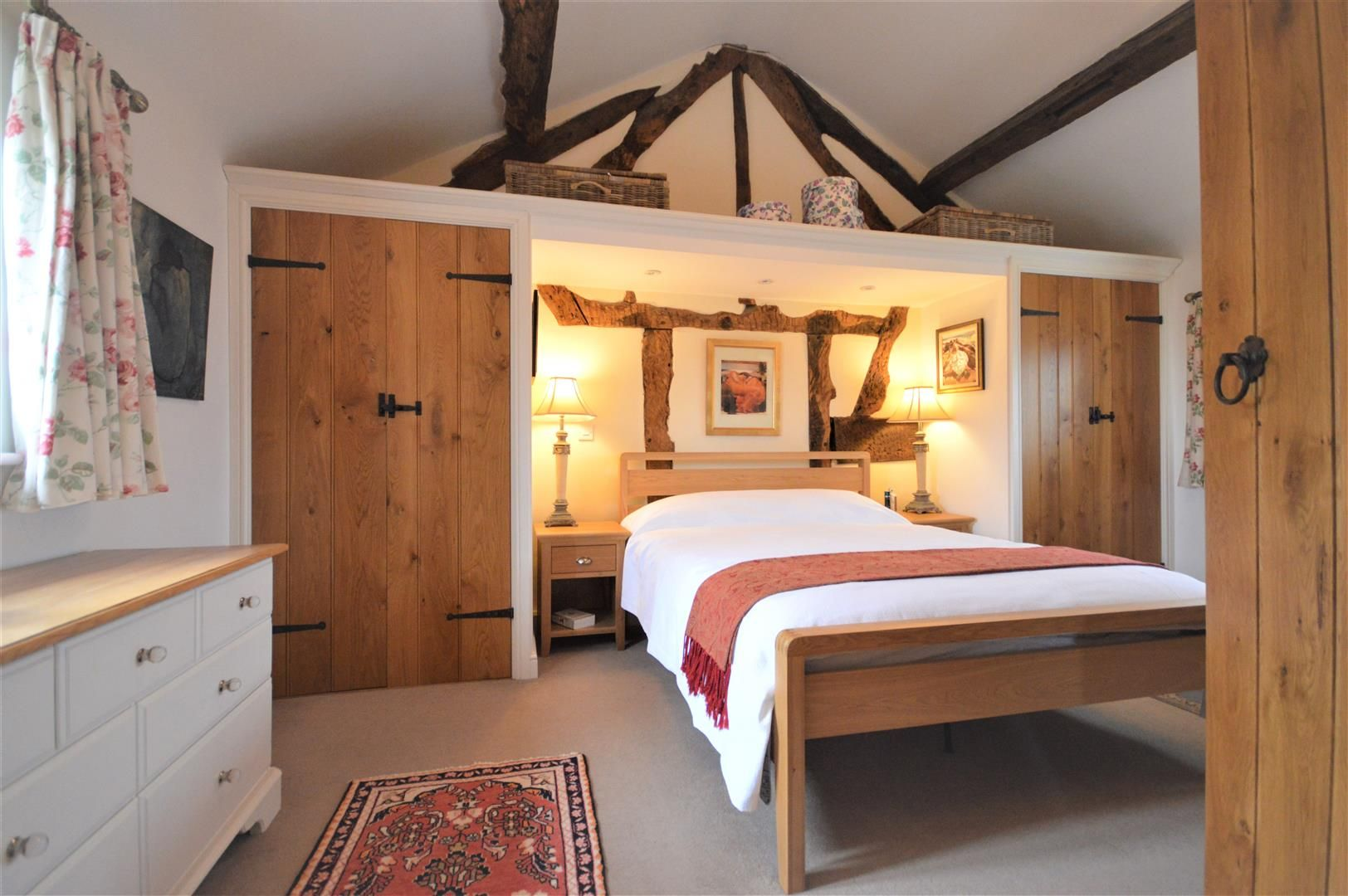 4 bed barn conversion for sale in Kingsland 8