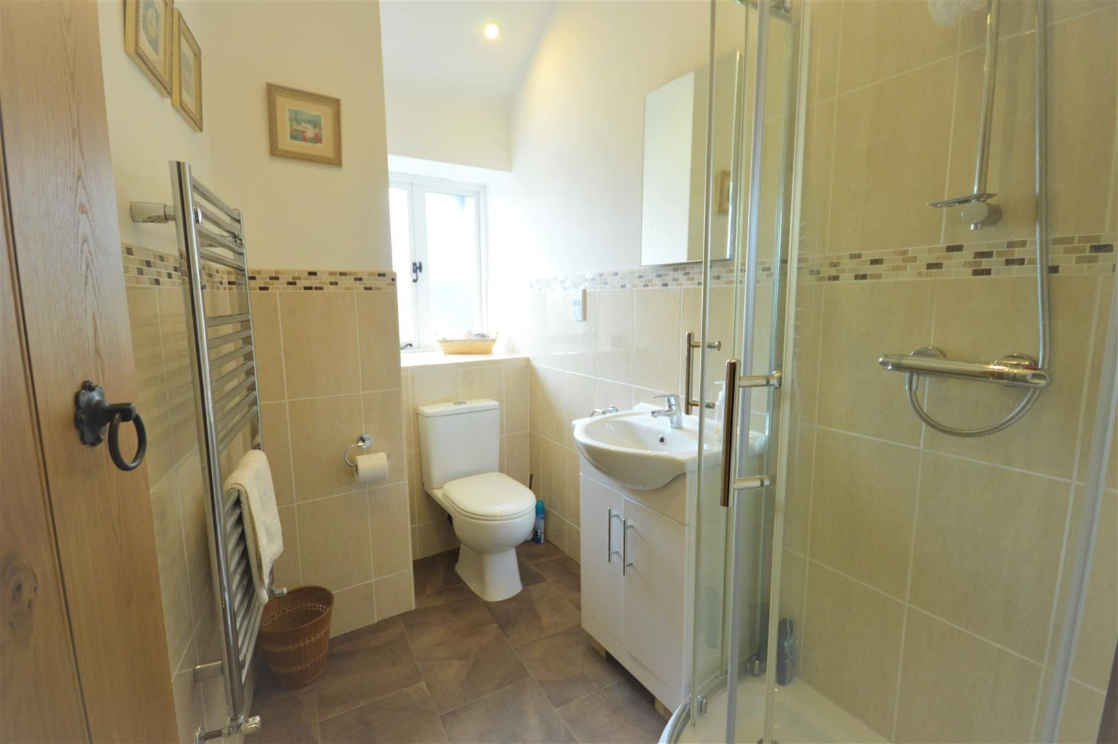 4 bed barn conversion for sale in Kingsland 9