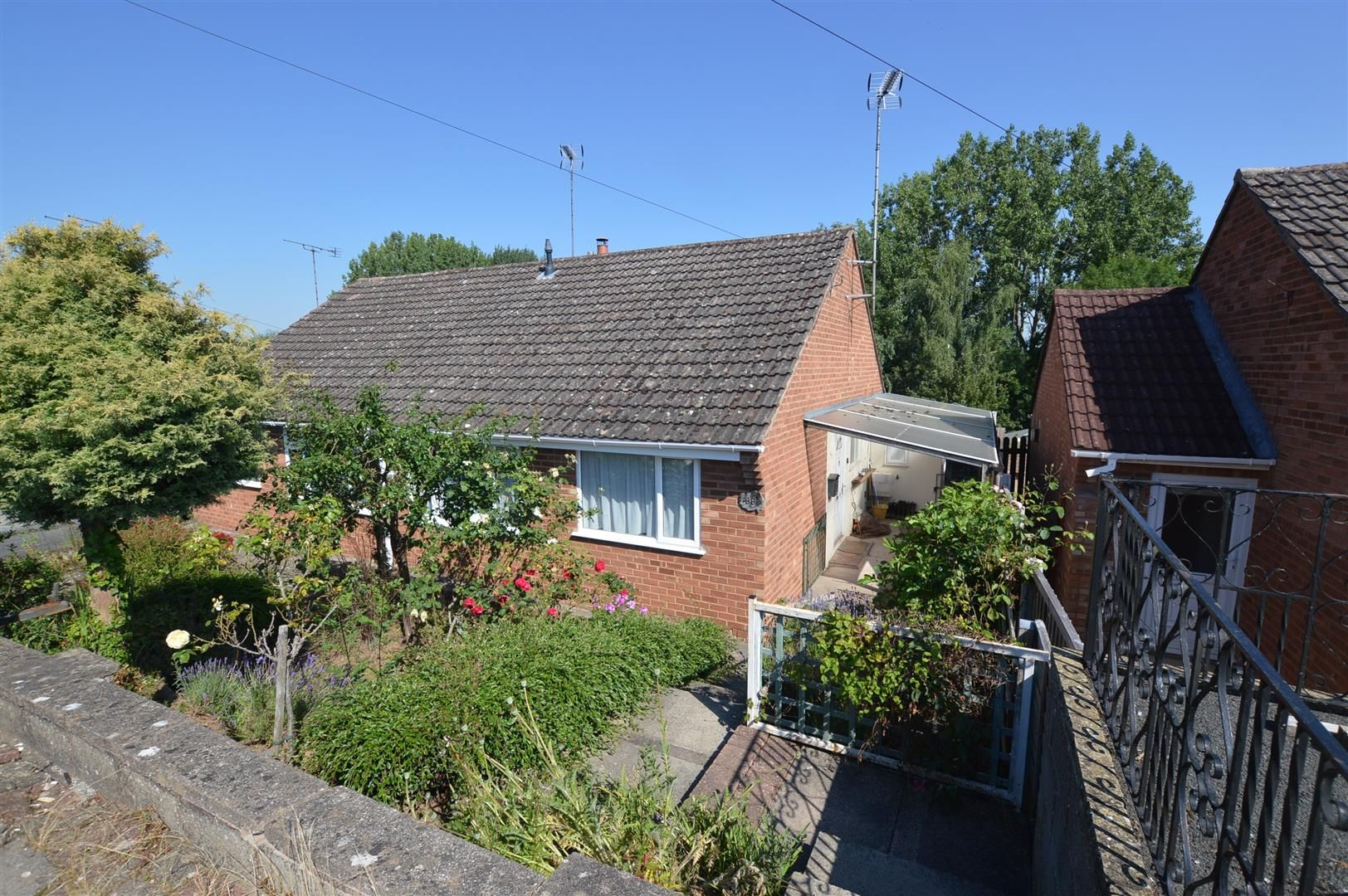 2 bed semi-detached bungalow for sale in Leominster, HR6