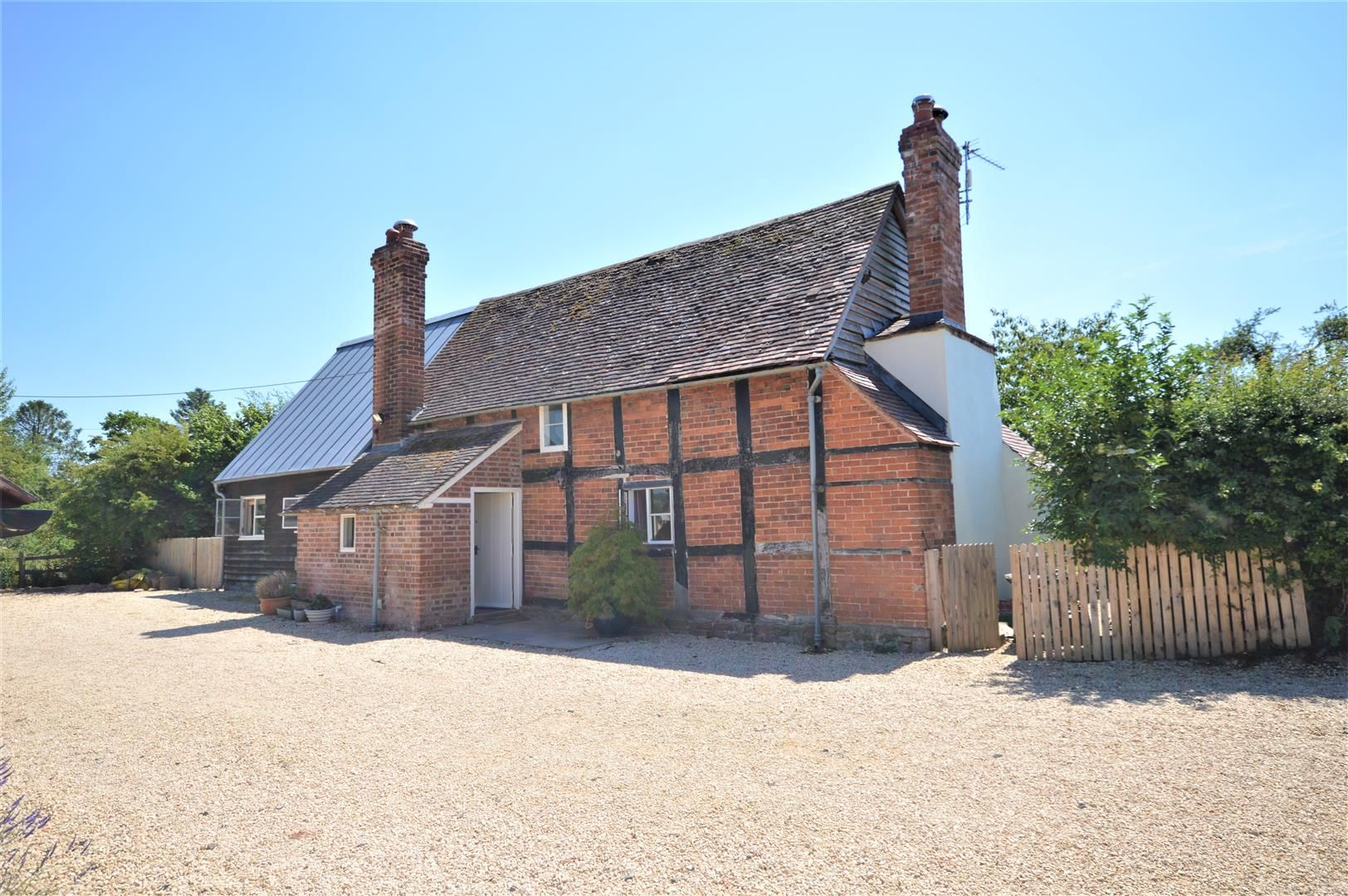 3 bed detached for sale in Canon Frome 5