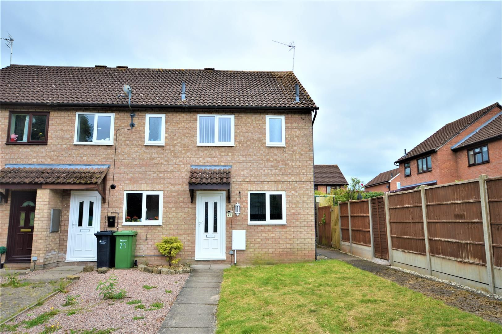 2 bed end-of-terrace for sale in Belmont  - Property Image 1