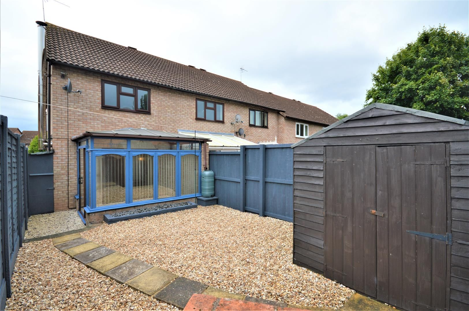 2 bed end-of-terrace for sale in Belmont 11