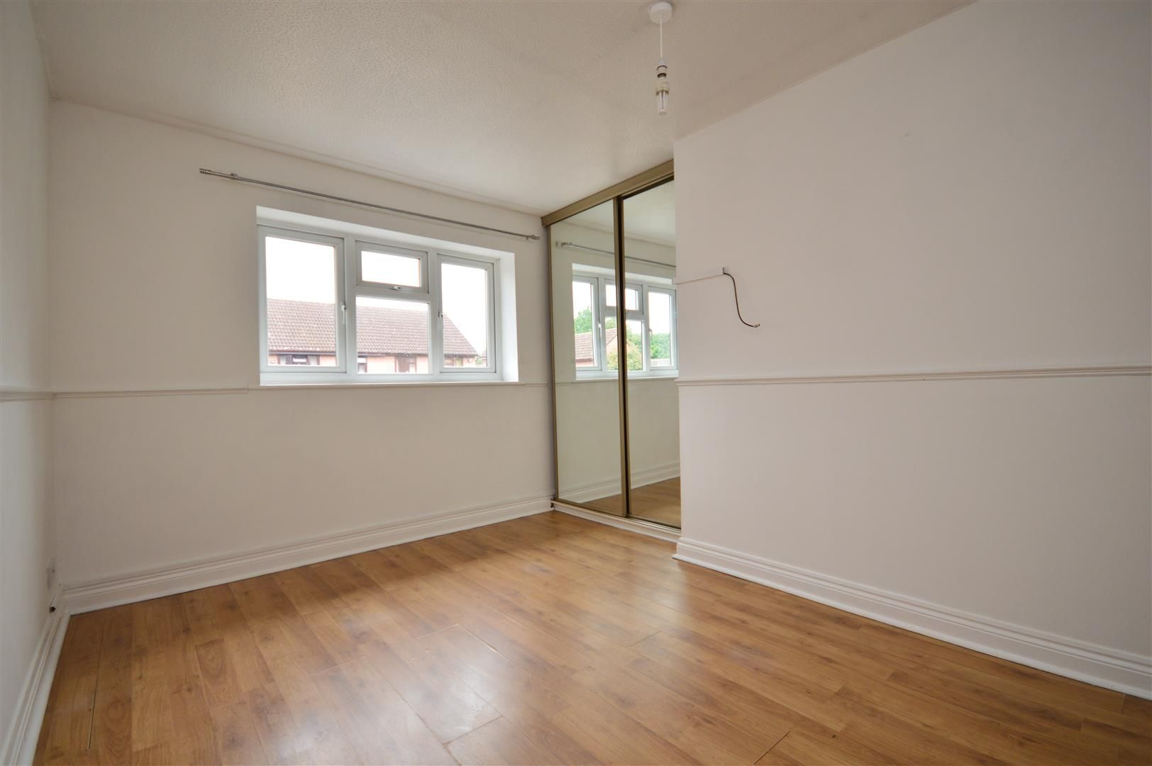 2 bed end-of-terrace for sale in Belmont  - Property Image 6
