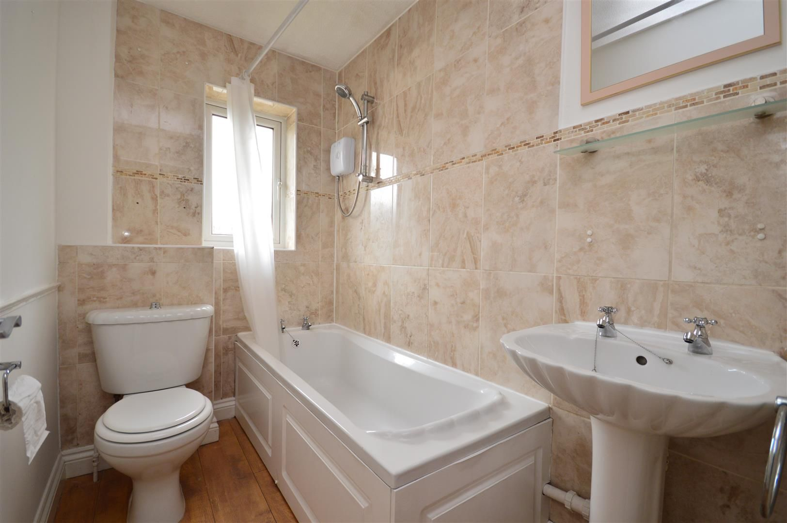 2 bed end-of-terrace for sale in Belmont  - Property Image 8