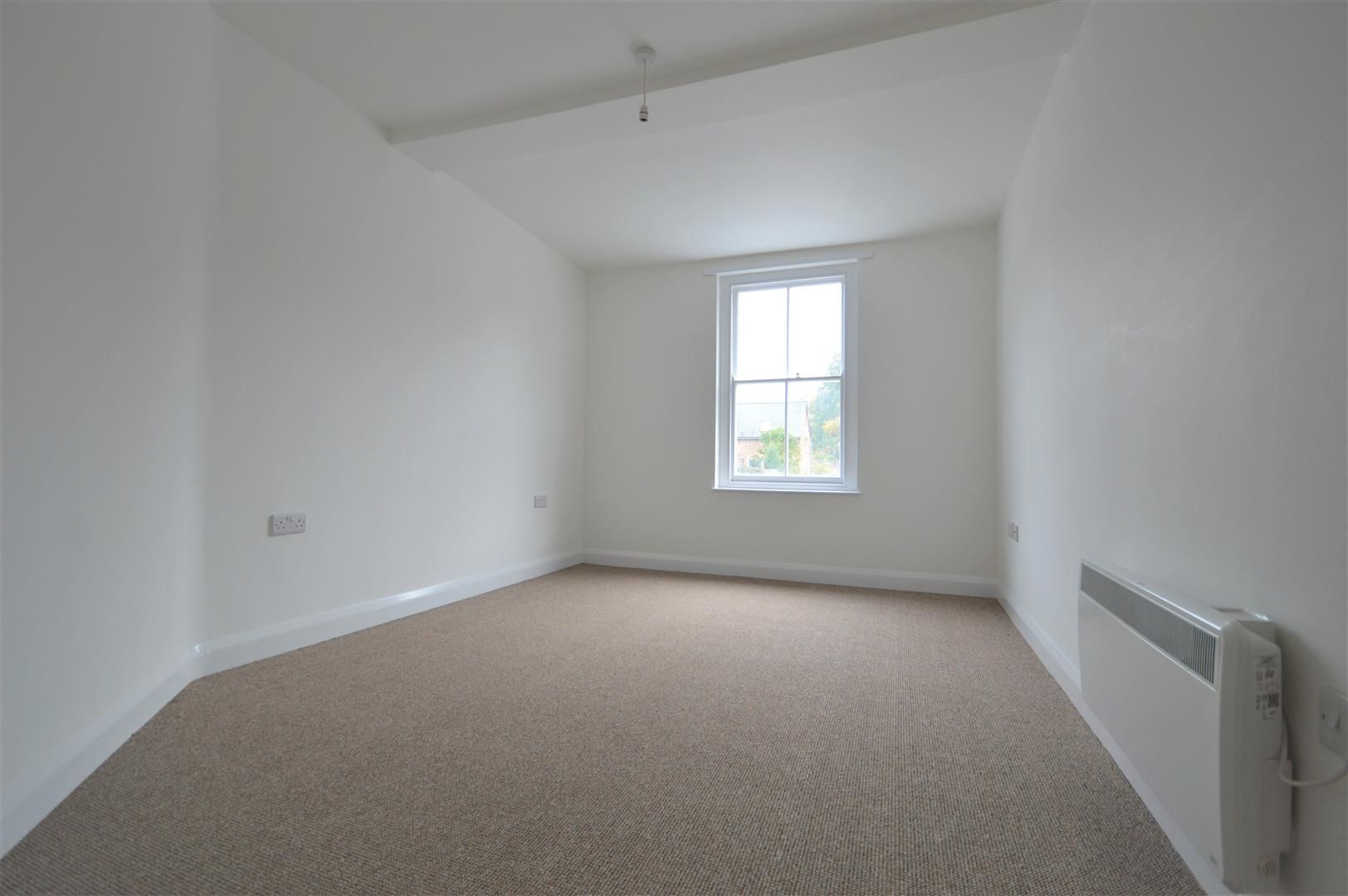 2 bed house to rent in Leominster, HR6