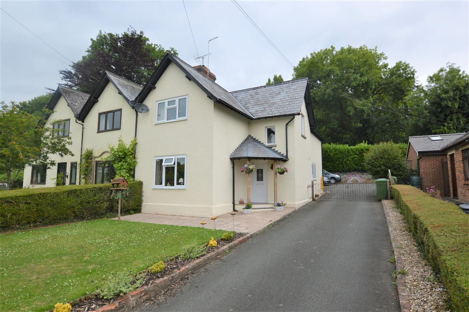 3 bed semi-detached for sale in Almeley, HR3
