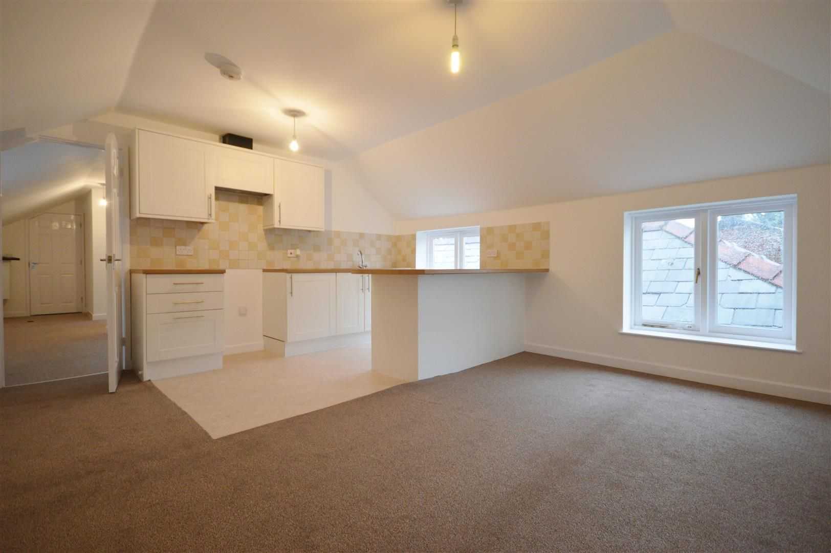 2 bed flat to rent in 4 Rainbow Street, HR6