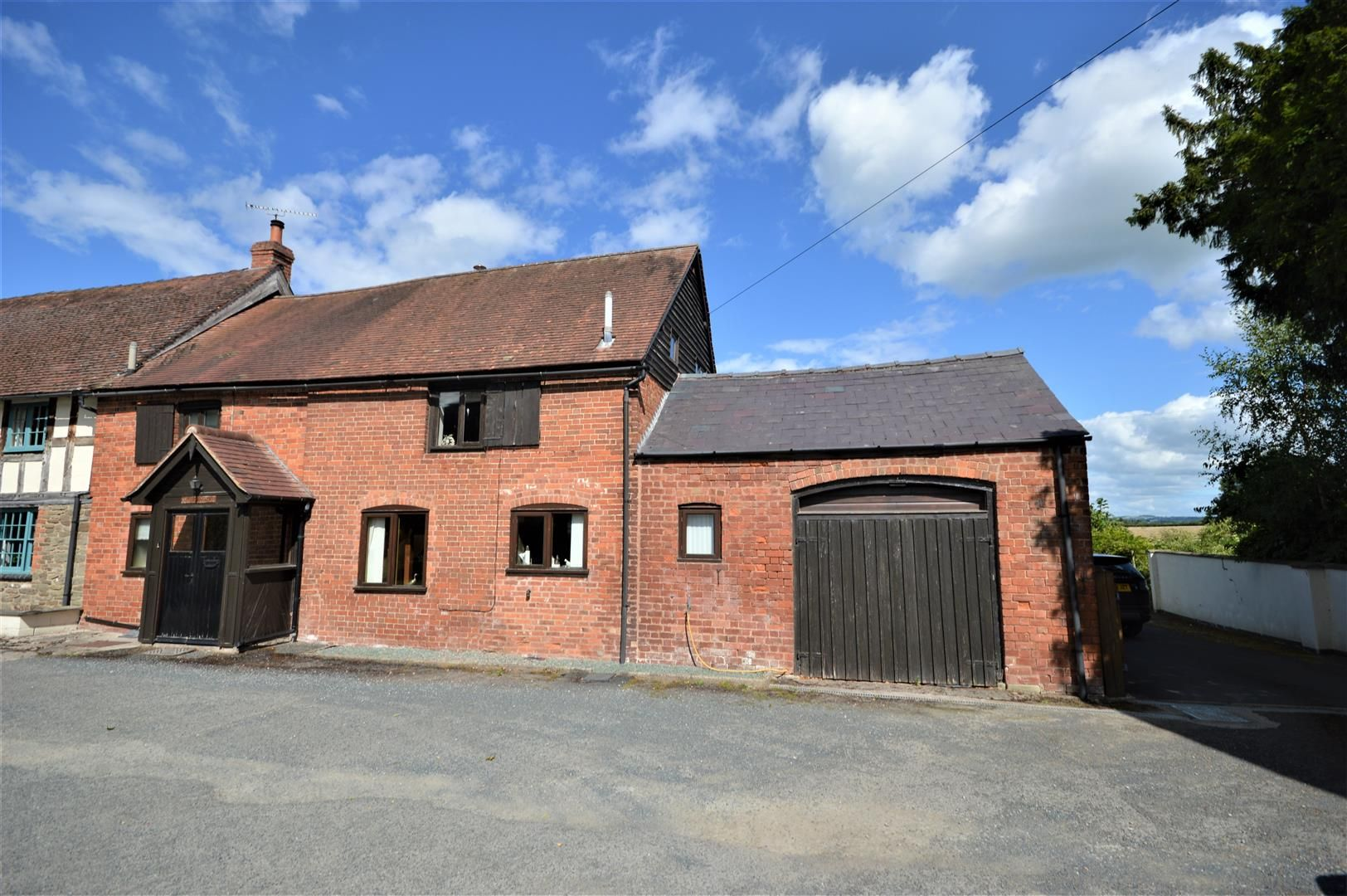 3 bed barn-conversion for sale in Newtown, HR6