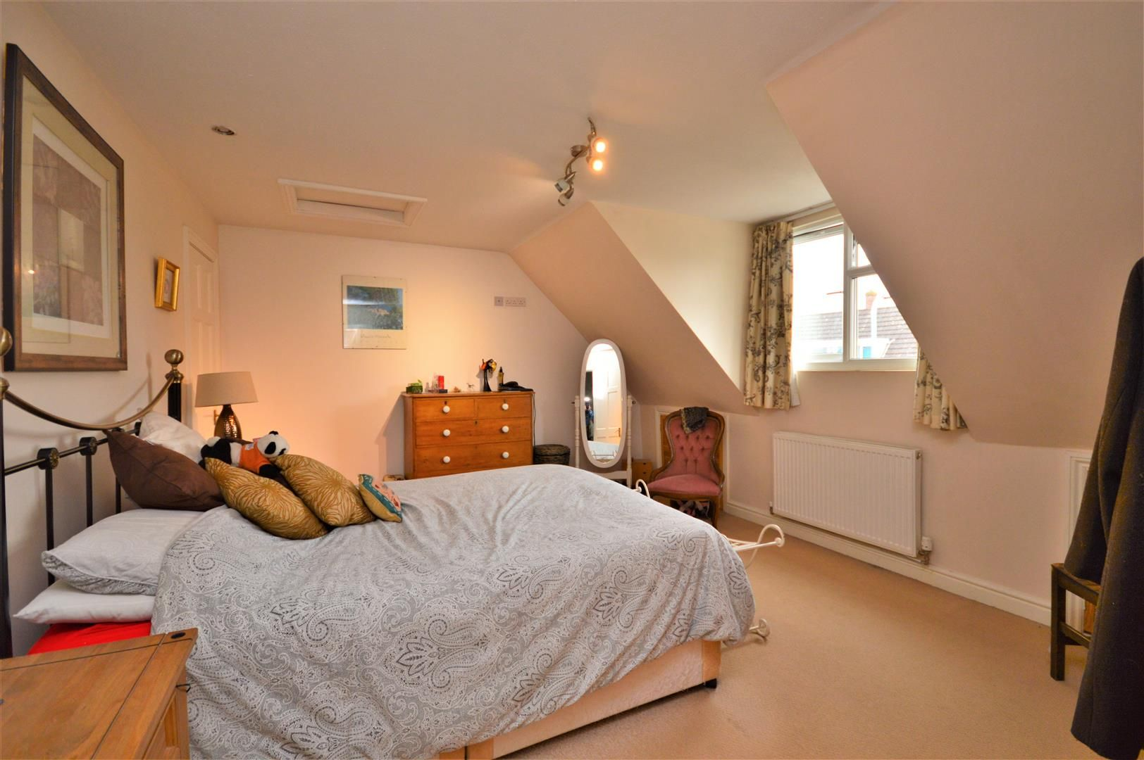 4 bed semi-detached for sale in Clehonger 10