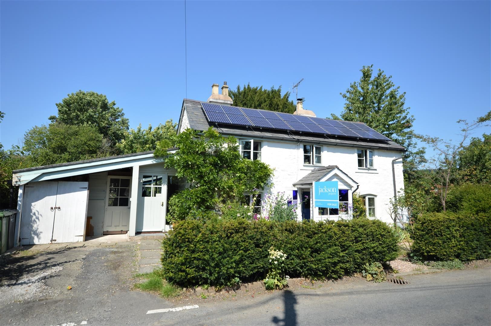 3 bed detached for sale in Stapleton, LD8