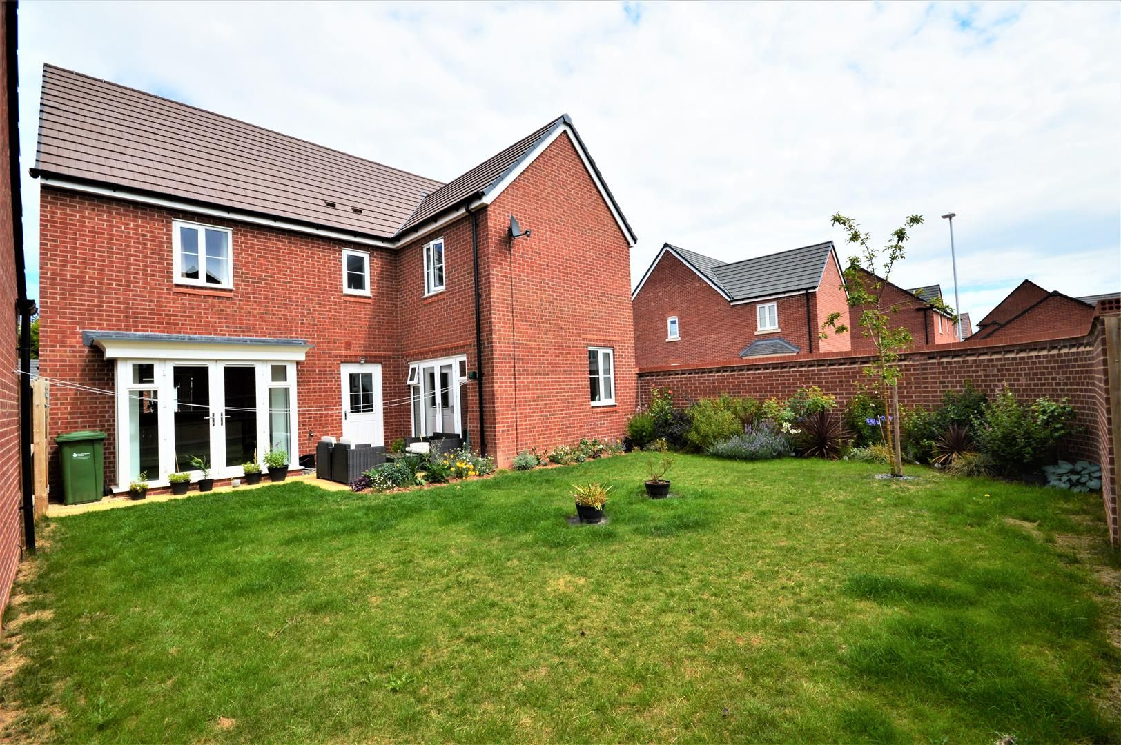4 bed detached for sale in Whitestone 15