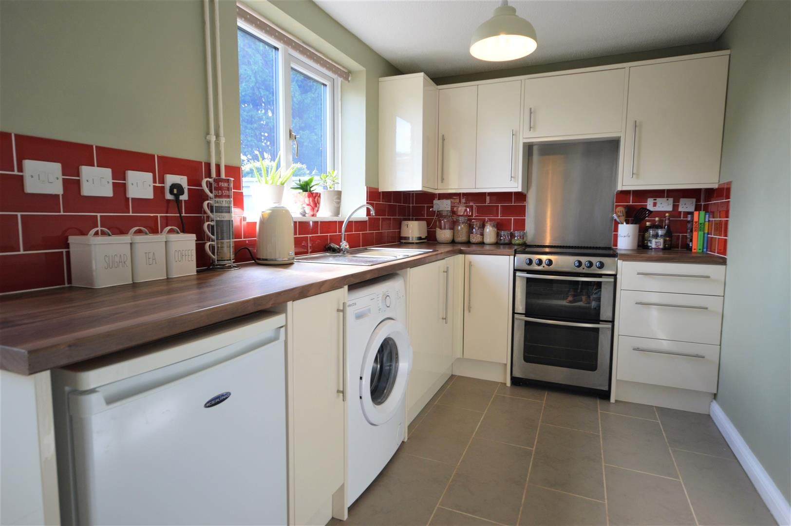 2 bed end-of-terrace for sale in Leominster 2