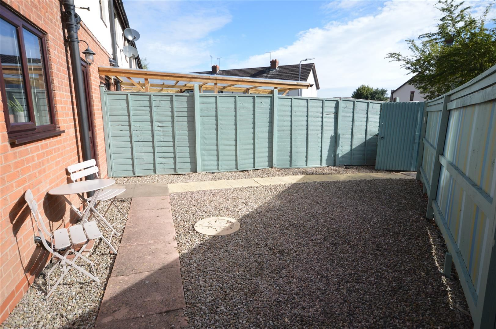 2 bed end-of-terrace for sale in Leominster 7