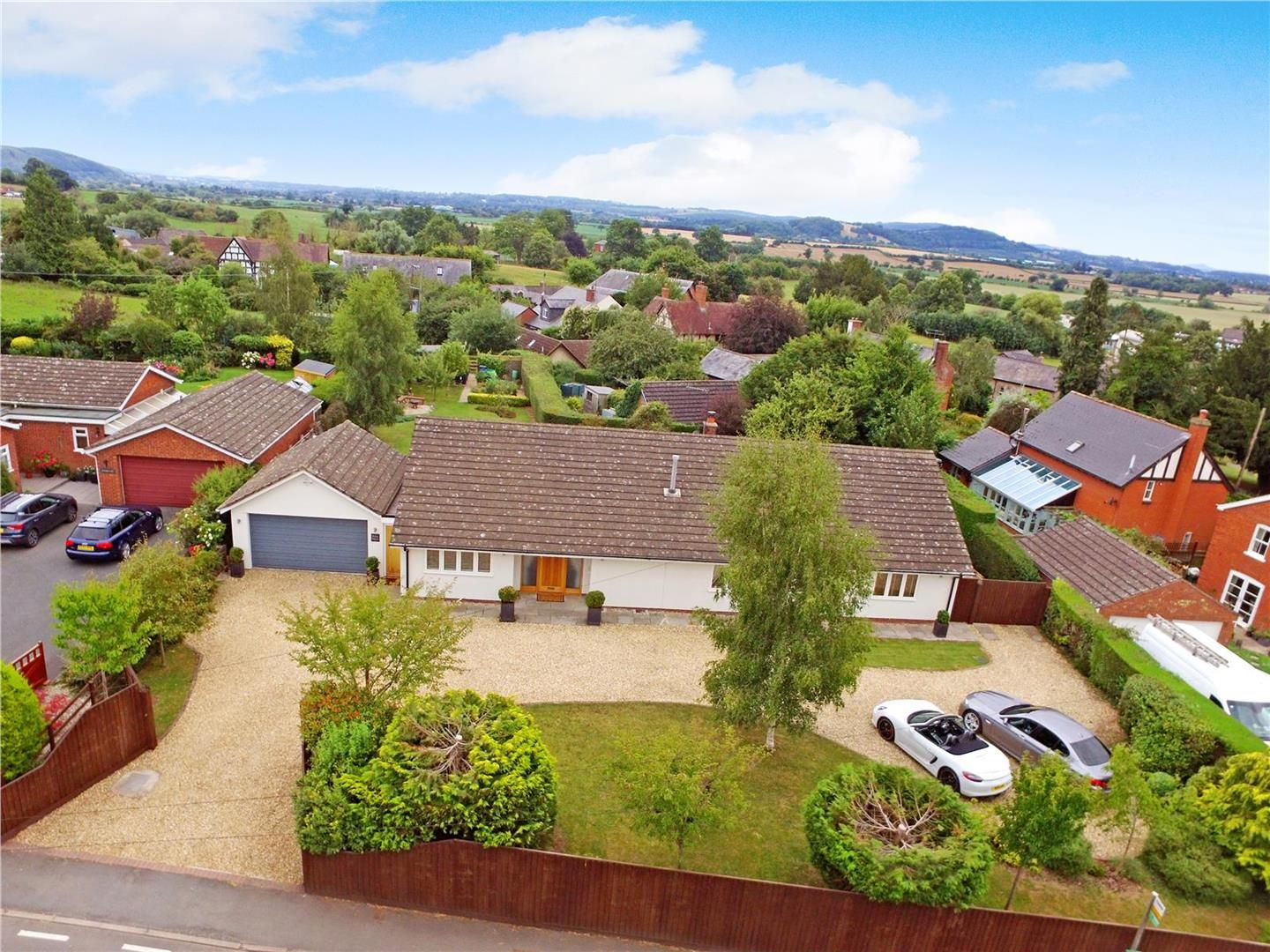 4 bed detached-bungalow for sale in Lugwardine, HR1