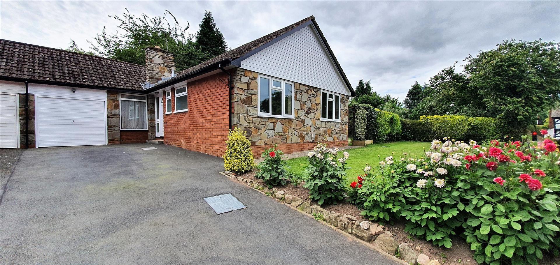3 bed semi-detached-bungalow to rent in Pembridge, HR6