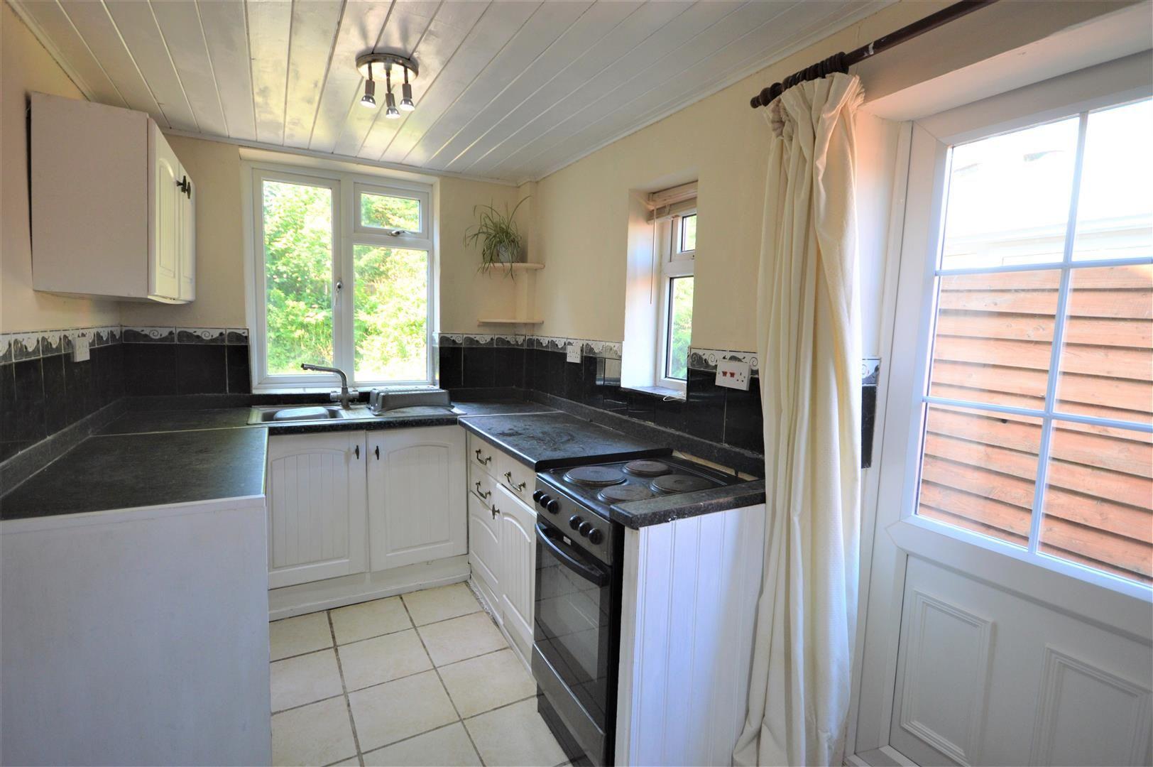 4 bed semi-detached for sale in Presteigne 7