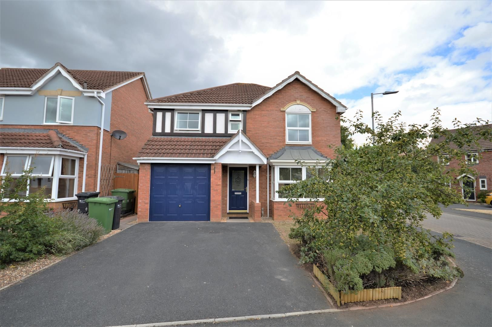 4 bed detached for sale in Belmont, HR2