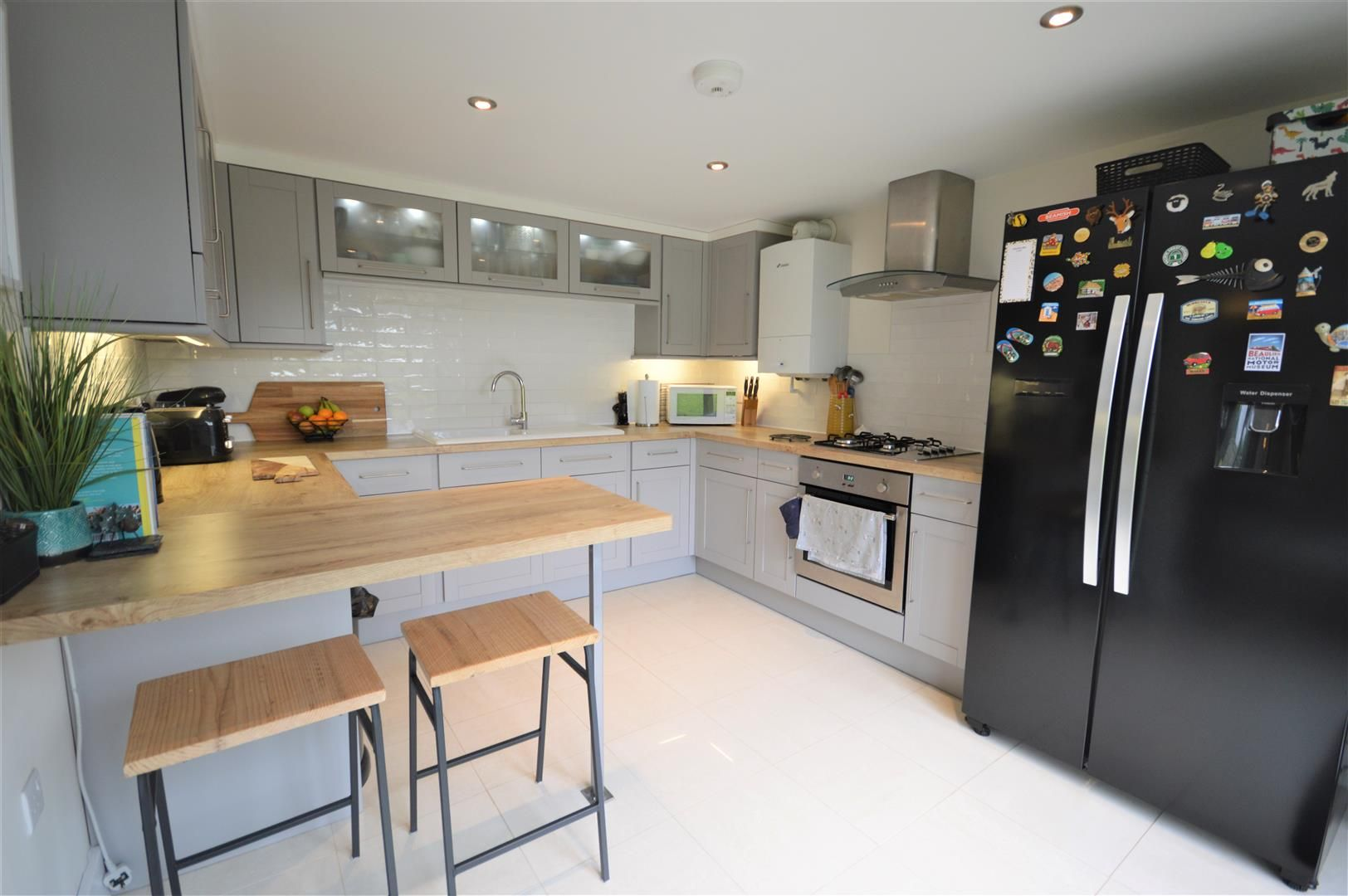 3 bed barn-conversion for sale in Lyonshall 3
