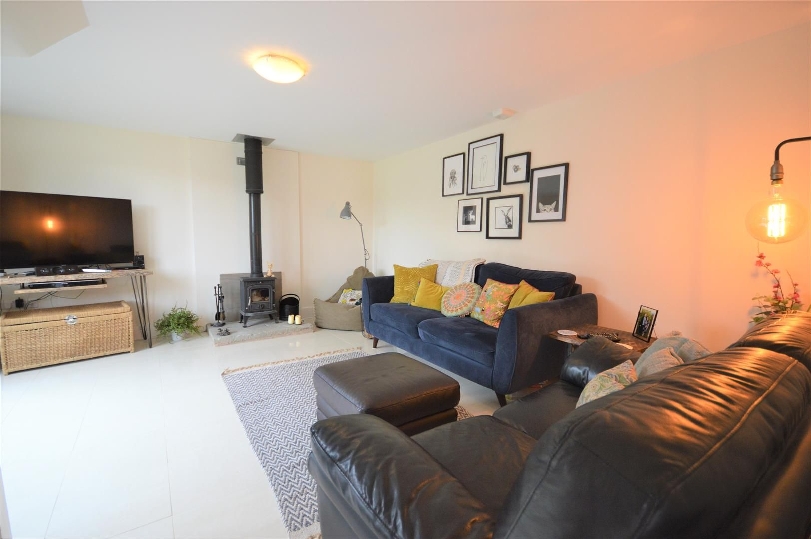 3 bed barn-conversion for sale in Lyonshall 4