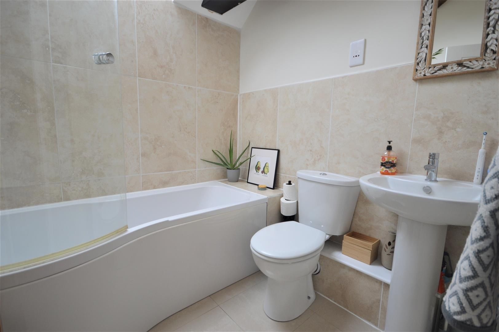 3 bed barn-conversion for sale in Lyonshall 10