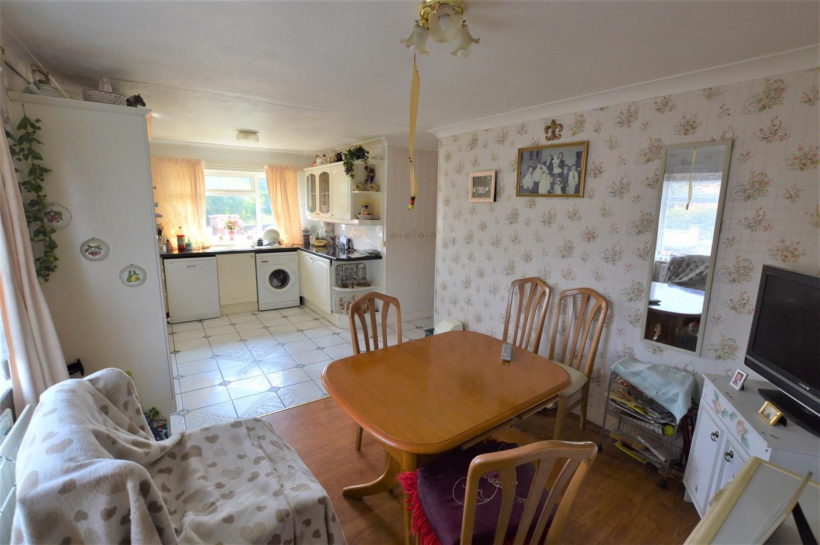 3 bed house for sale in Presteigne 2