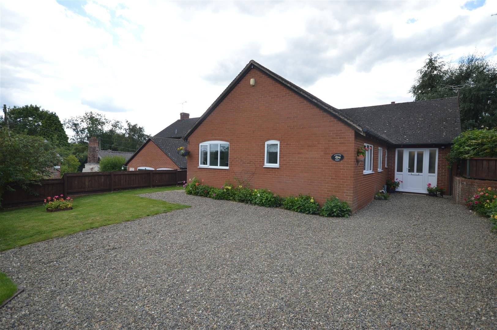 3 bed detached-bungalow for sale in Luston, HR6