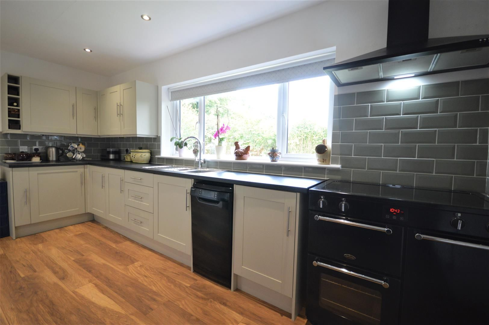 3 bed detached-bungalow for sale in Orleton 5