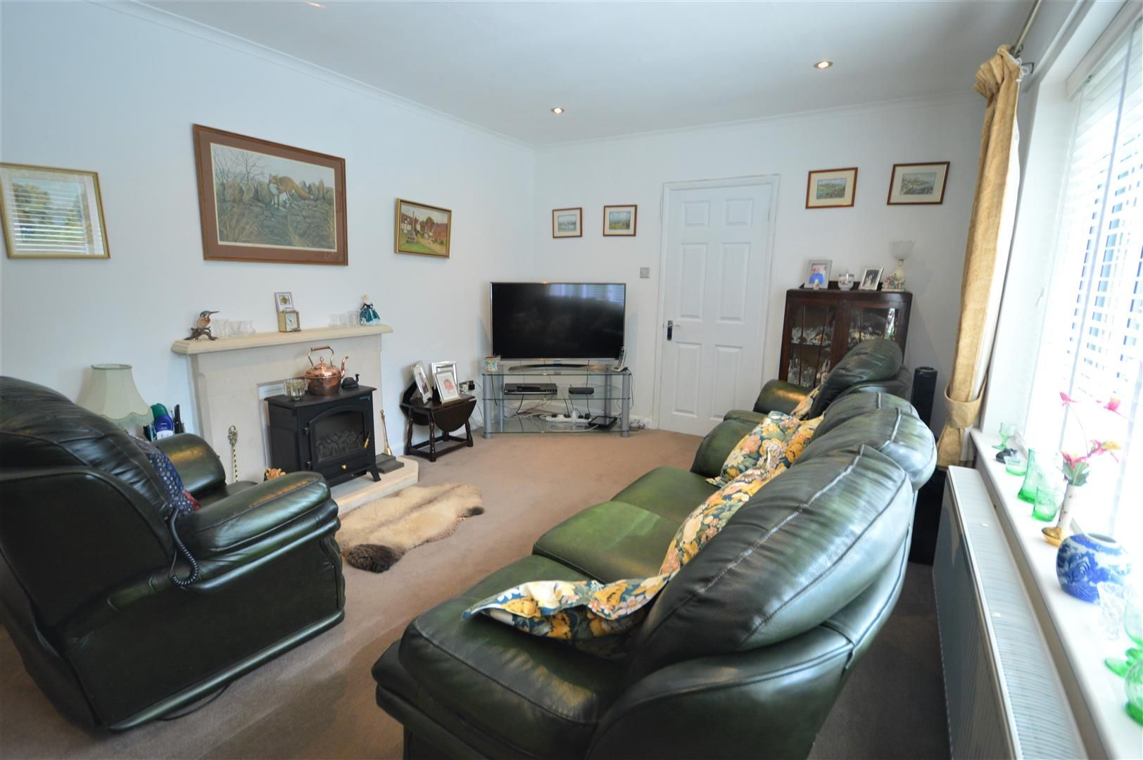 3 bed detached-bungalow for sale in Orleton 6