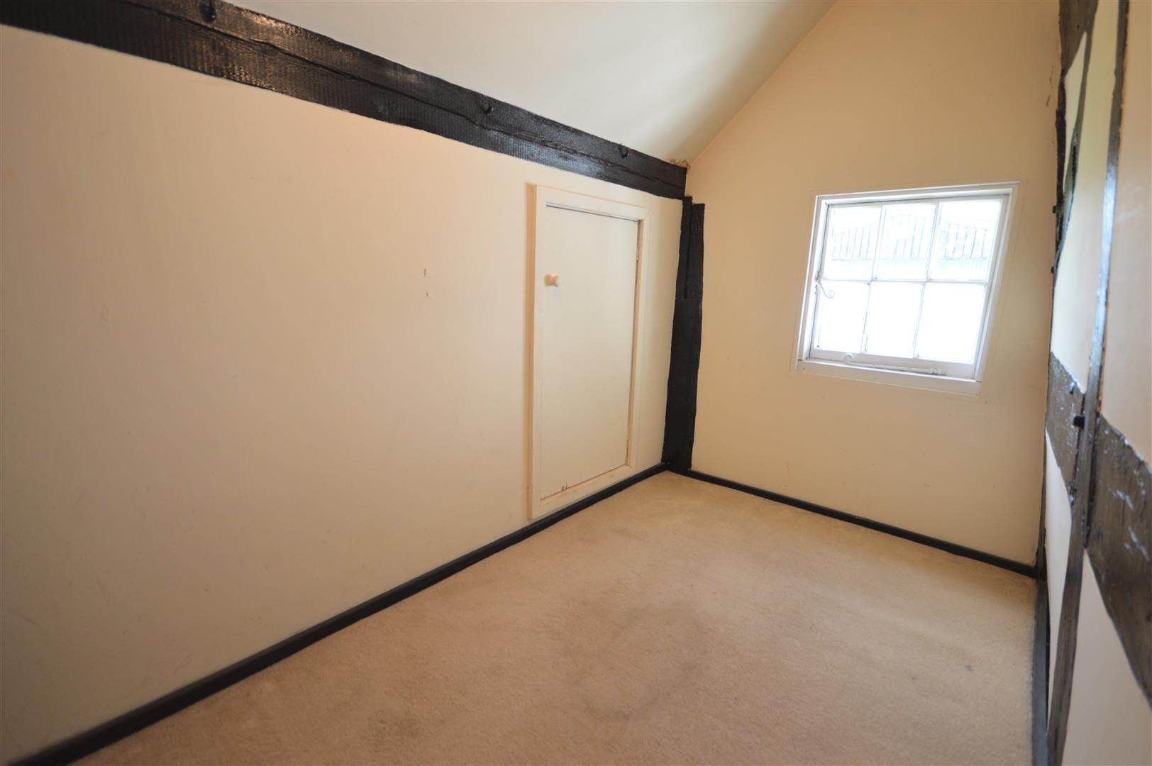 3 bed cottage for sale in Pembridge  - Property Image 11